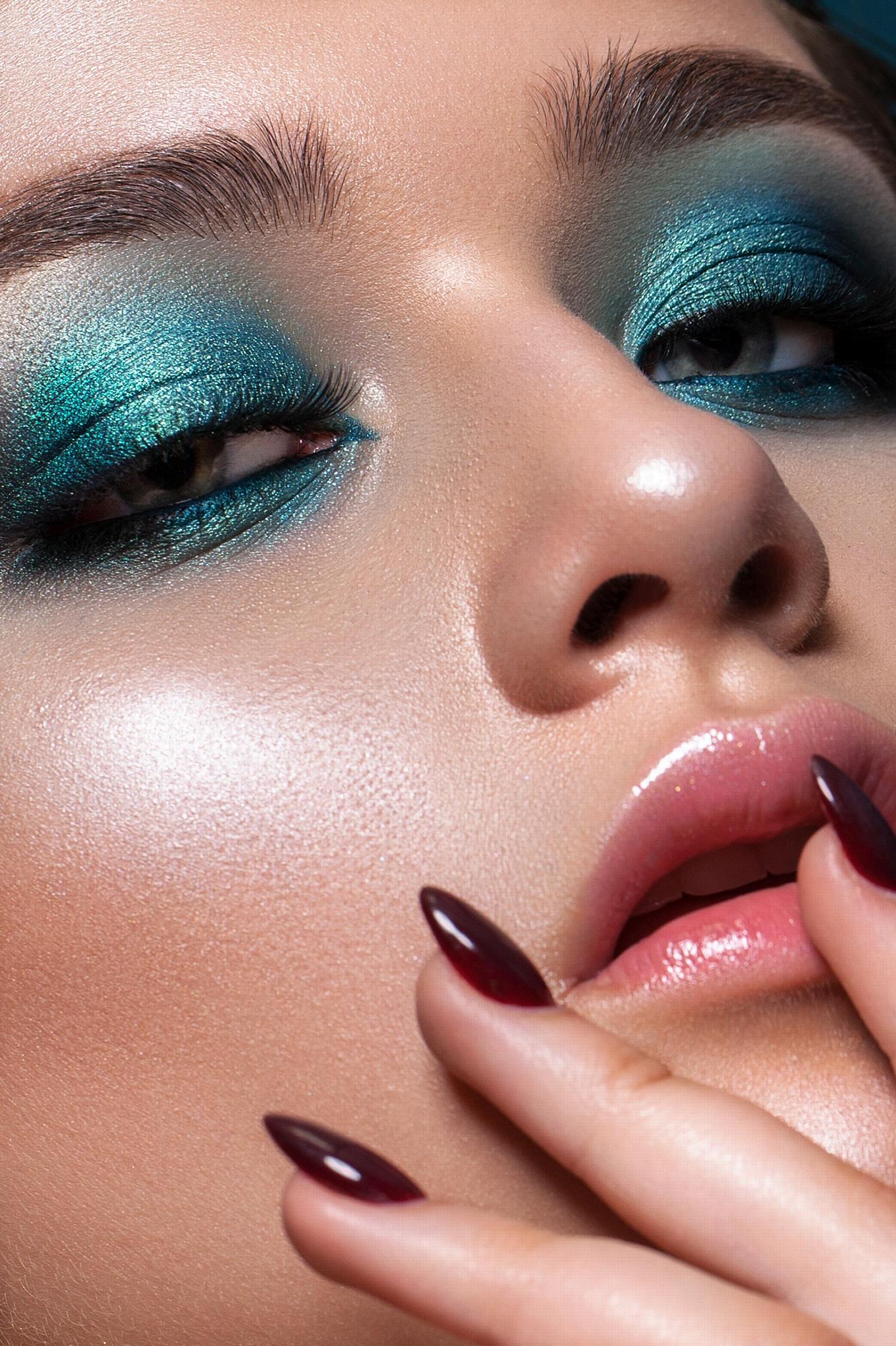 Тренды макияжа на Новый год 2021