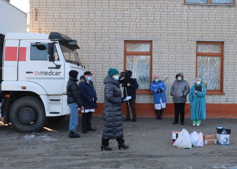 В Мордовии врачам Ковылкинской больницы передали подарки
