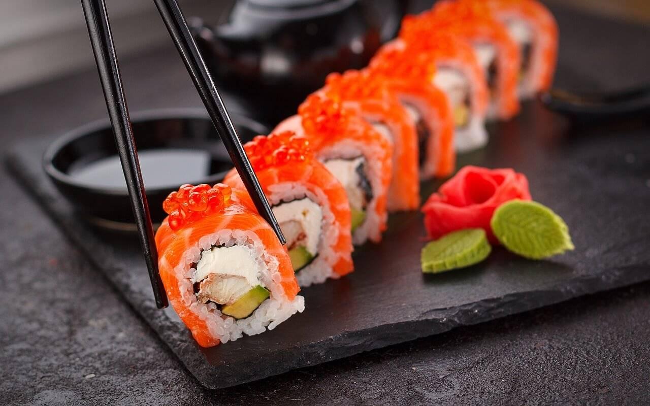 Суши и роллы: секреты и способы приготовления дома