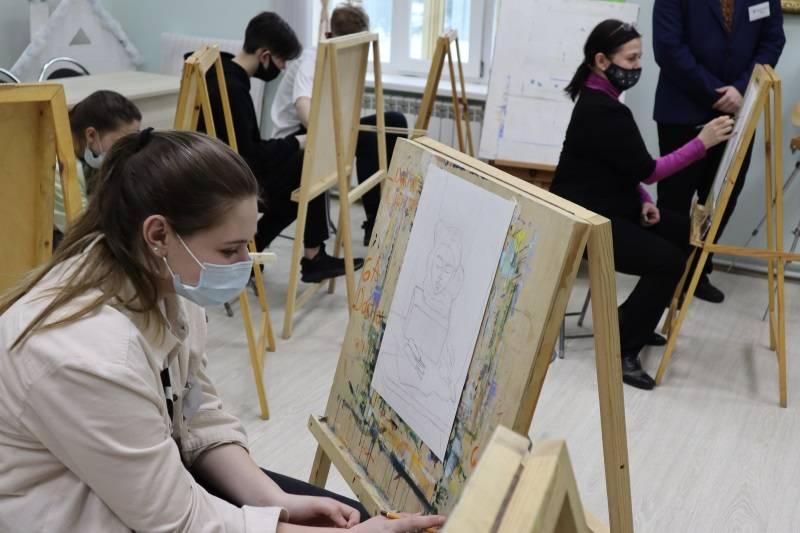 В Саранске провели мастер-класс по живописи для детей