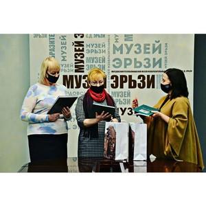 ОНФ в Мордовии передал книги в Национальную библиотеку