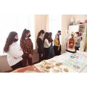 Медицинский колледж КБГУ открыл свои двери для детей