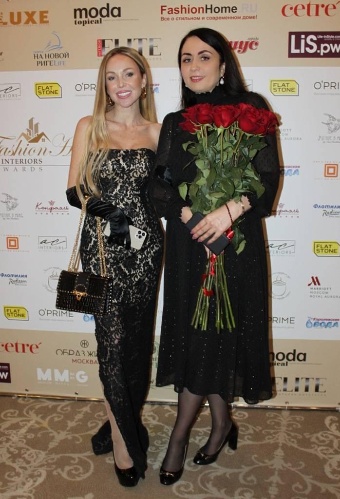 Карина Мартиросян, Анастасия Николаева