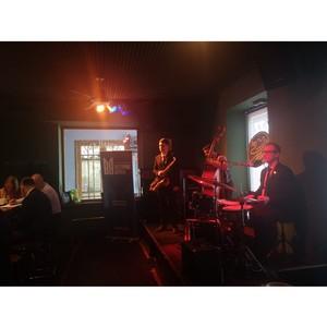 Billy's Band пригласил на камерный концерт ИК «Восточные ворота»