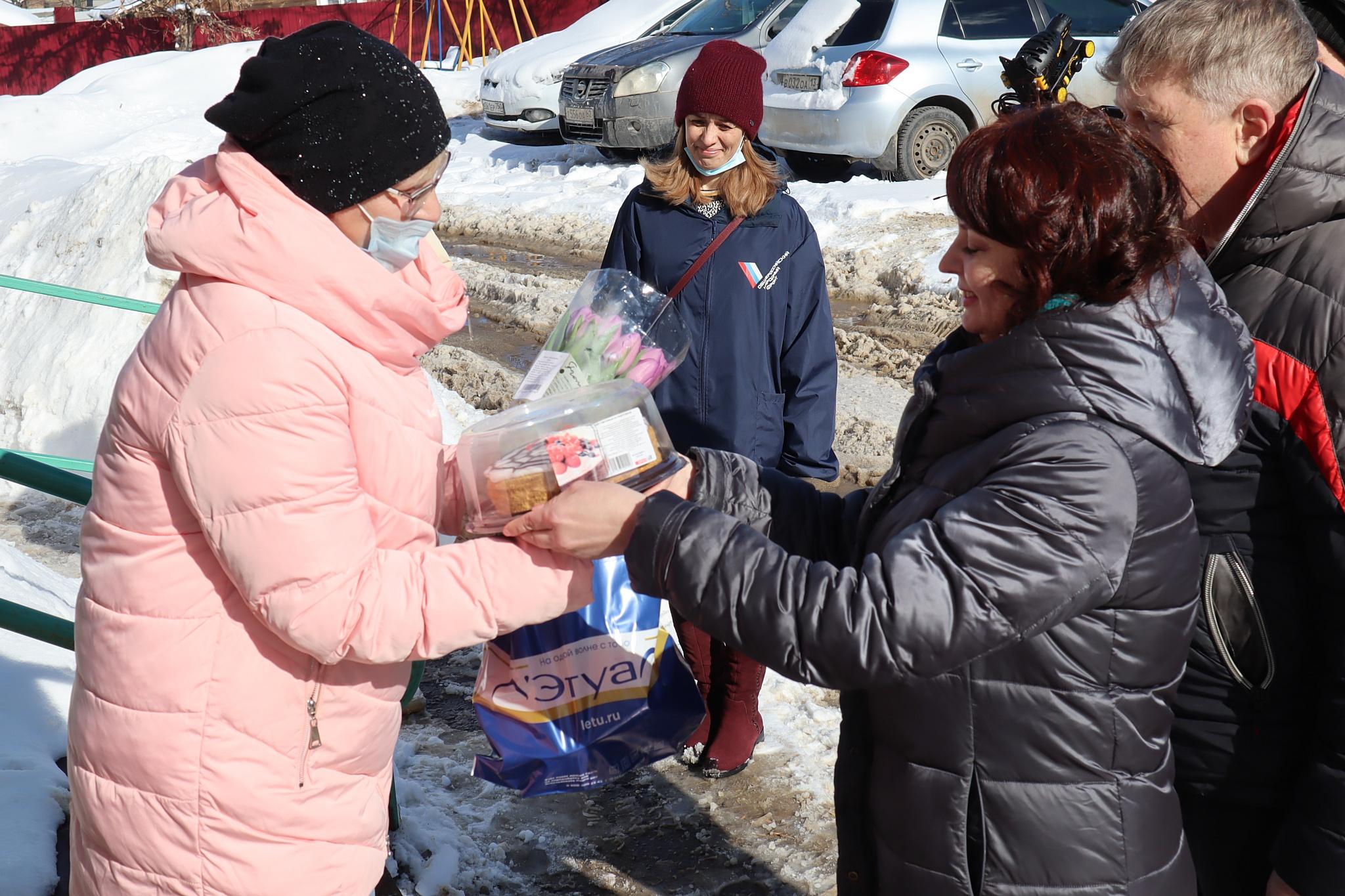 В Мордовии поздравили с 8 марта мам особенных детей