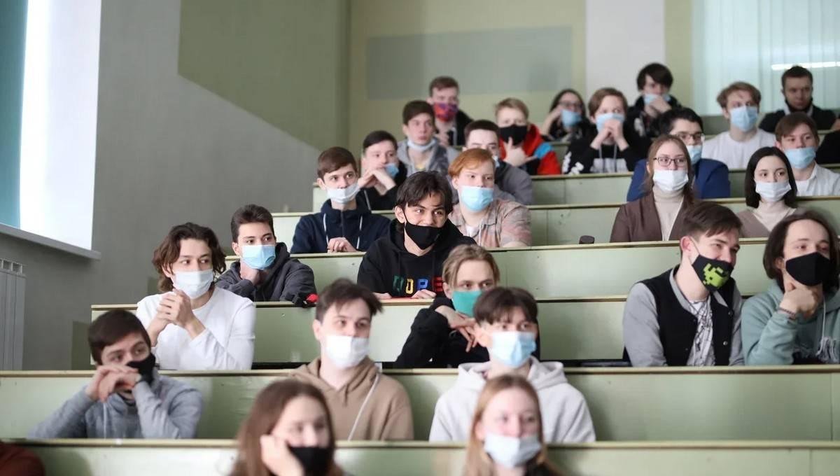 УрФУ знакомит школьников и студентов c ИТ-отраслью