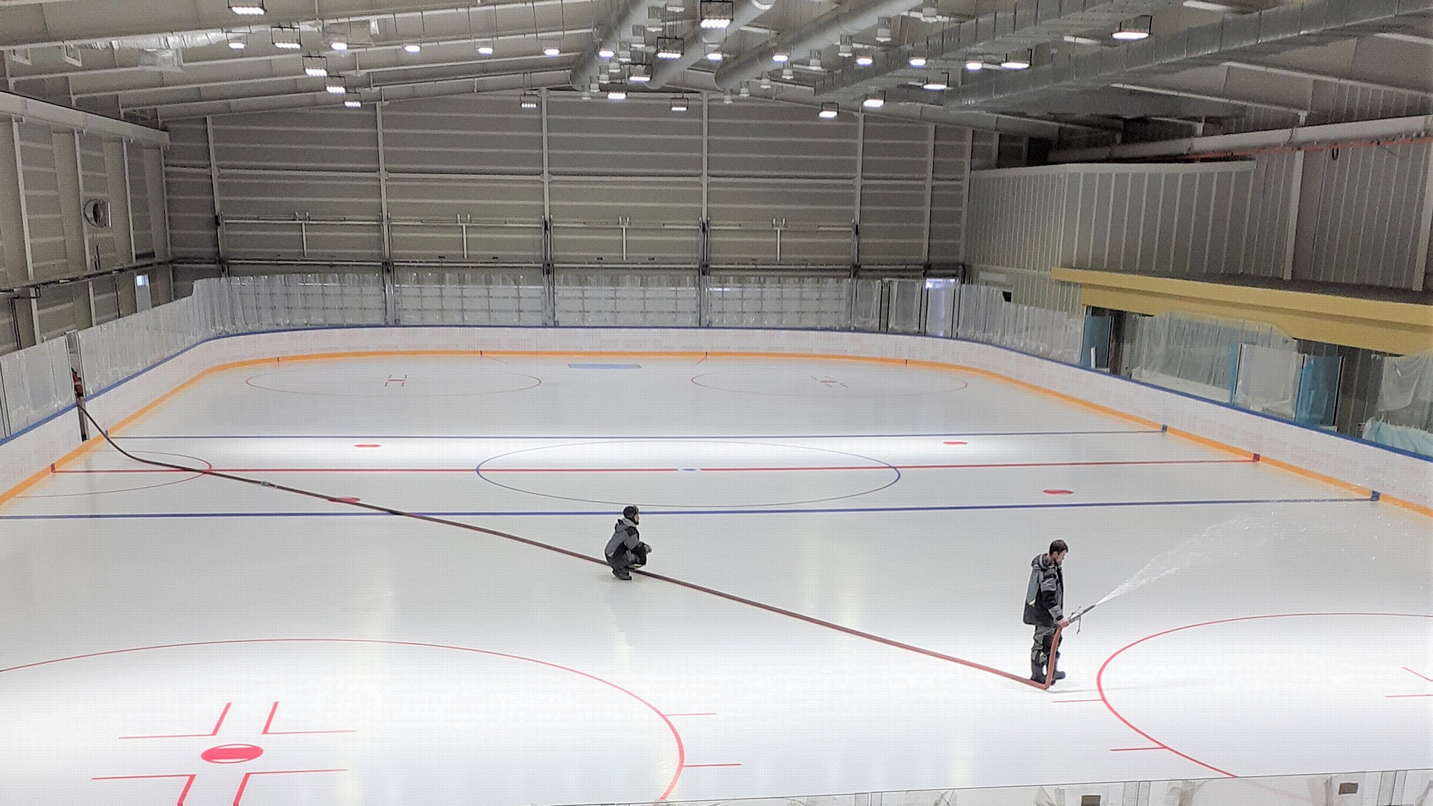 Готовится к сдаче в эксплуатацию круглогодичный ледовый комплекс