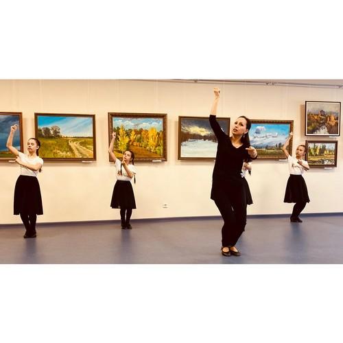 Знакомство с марийским народным танцем от Дома дружбы народов Чувашии