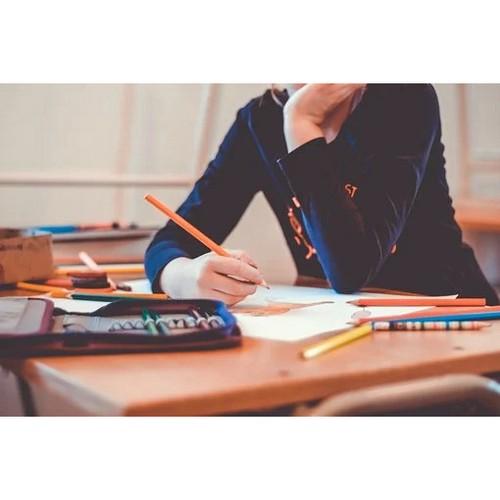 Конфликтом в кировской школе займется департамент образования города