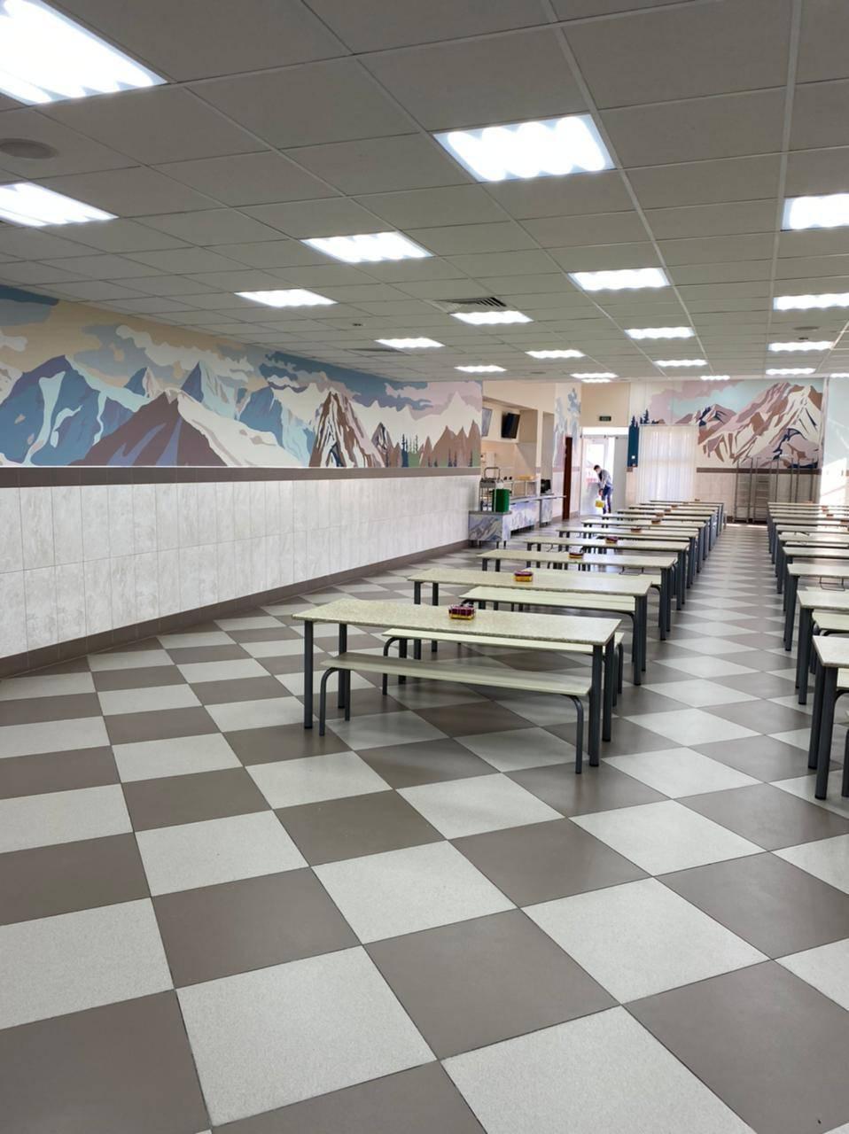 Интерьер столовой-ресторана ГБОУ Школы №709 г. Москвы
