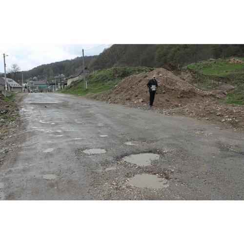Маршрут в сторону Чегемских водопадов нуждается в дорожном ремонте
