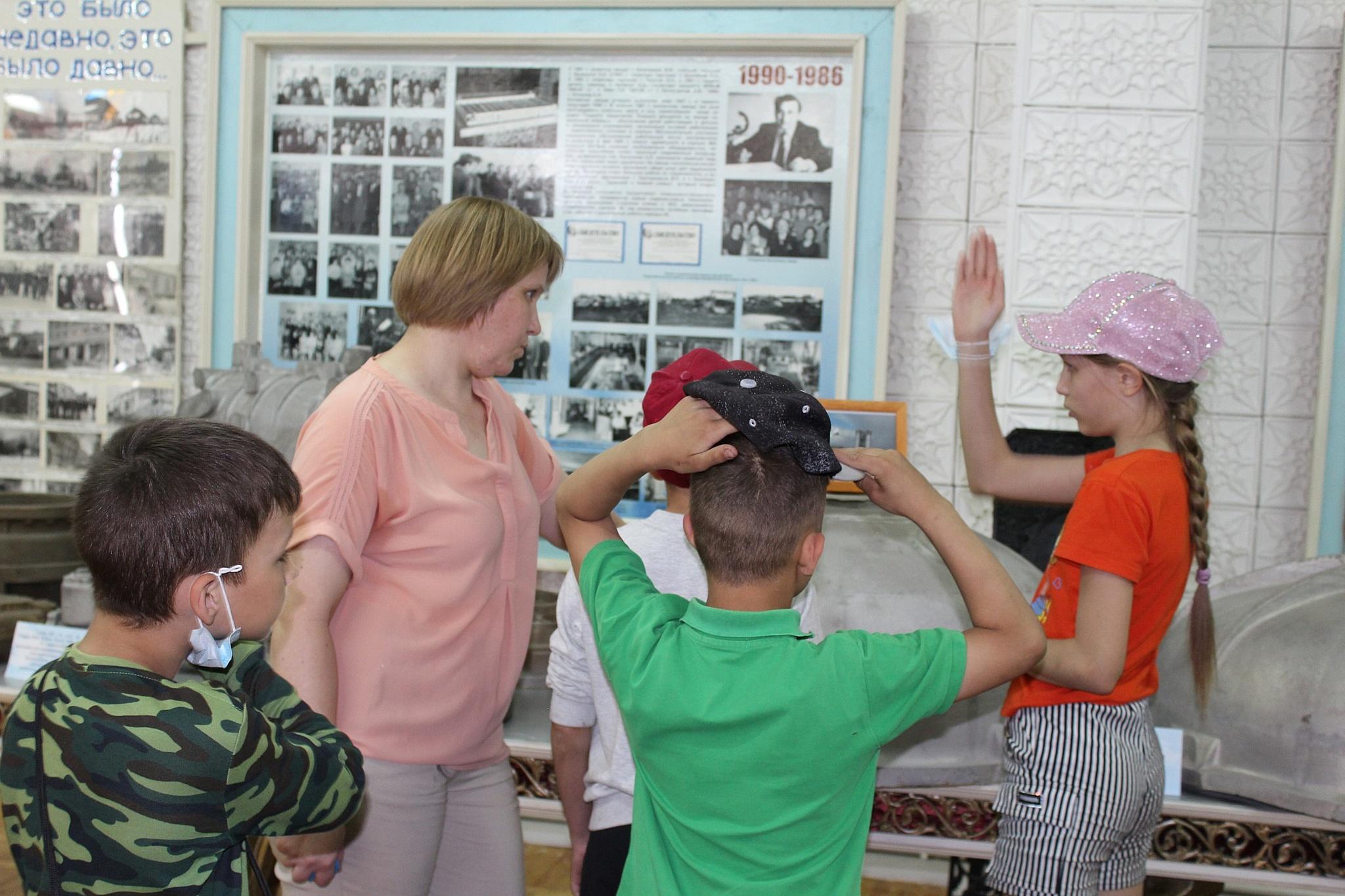 На литейный десантировались дети