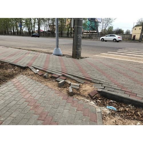 ОНФ выявил дефекты на отремонтированных тротуарах в Кирове