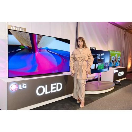 Oled телевизоры LG на первом outdoor показе бренда Chapurin