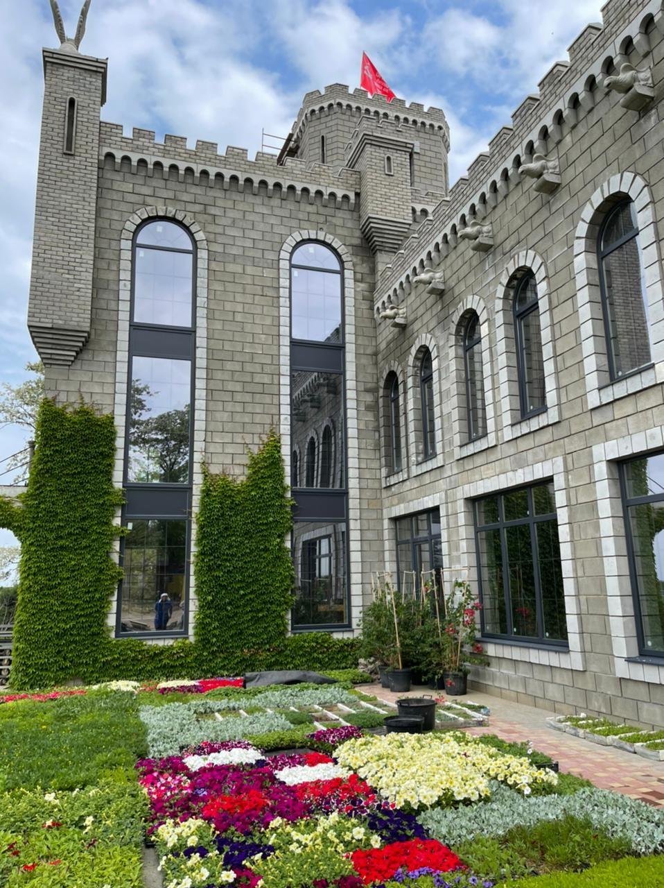 Окна Deceuninck во дворце «Сад Грёз»
