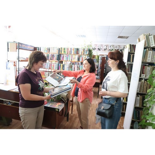 Сельским библиотекам Мордовии активисты ОНФ подарили новые книги