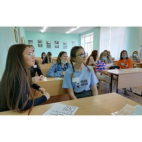 Школьники Омской области готовятся к поступлению в педклассы