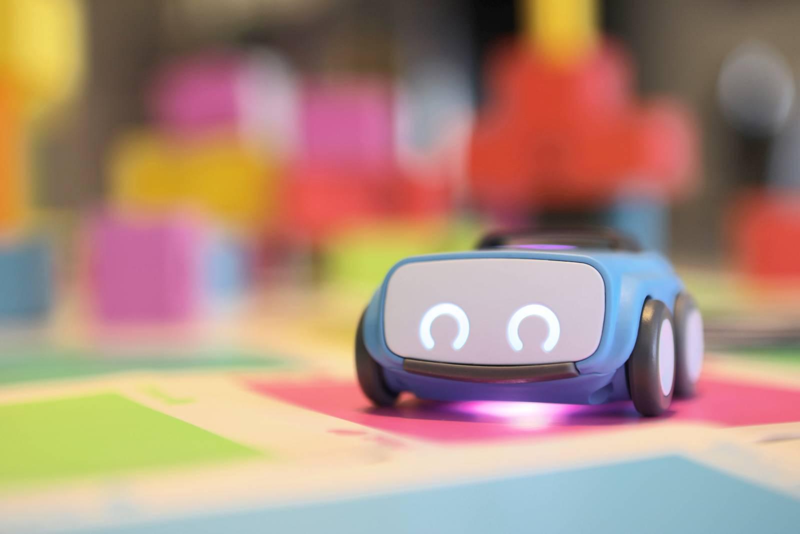 Встречайте indi, первого робота Sphero для детей младшего возраста