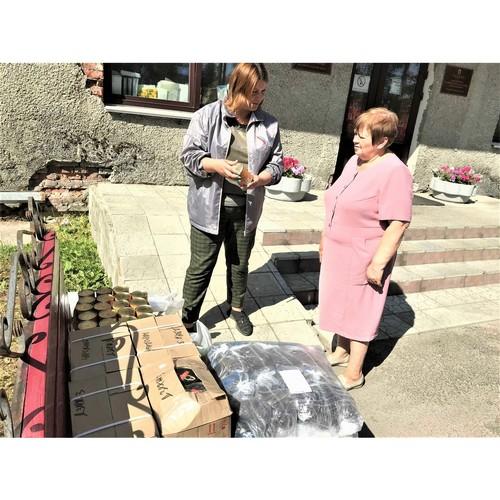 ОНФ в Карелии передал продукты для добровольцев, борющихся с огнем
