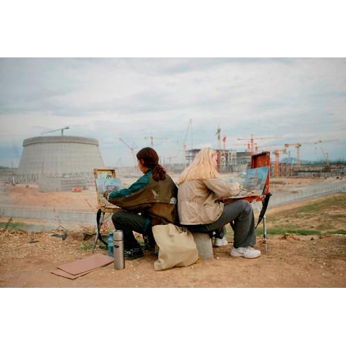 Курские художники запечатлели строящиеся энергоблоки ВВЭР-ТОИ в масле