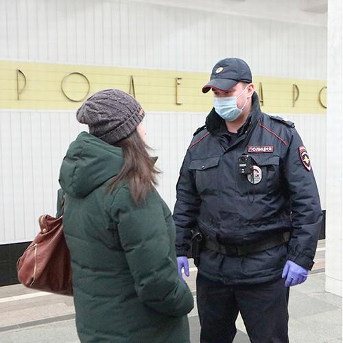 В московском транспорте усилен контроль за ношением масок