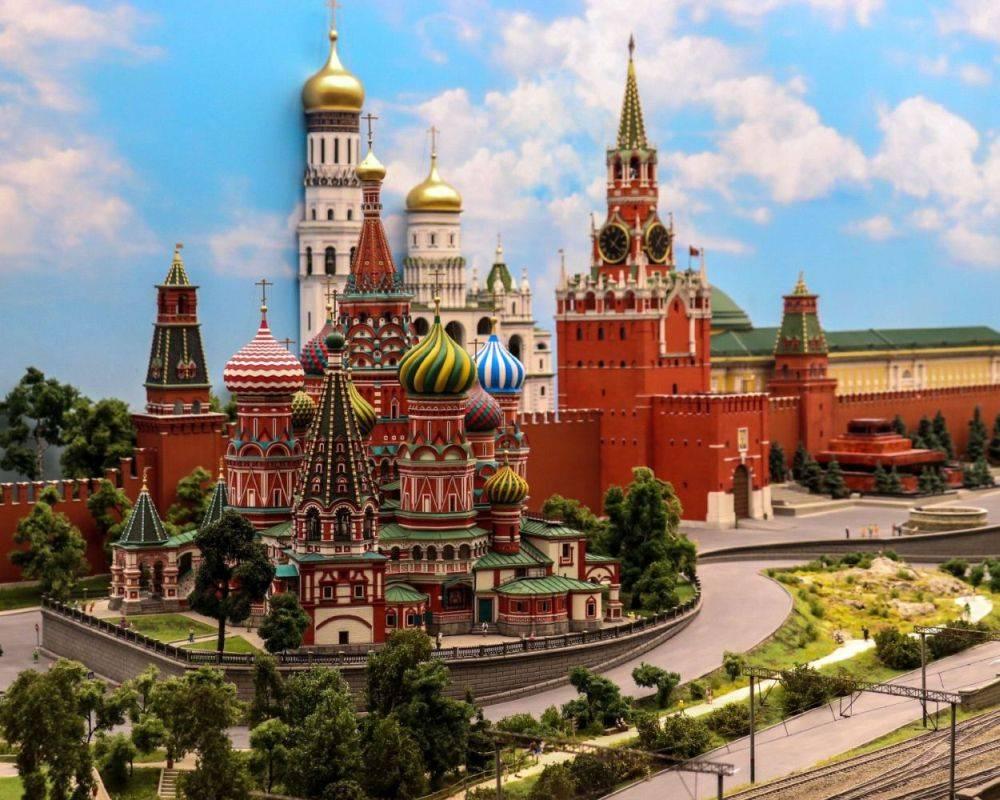 Музей «Царь-Макет» представил новую экскурсию «Три столицы»