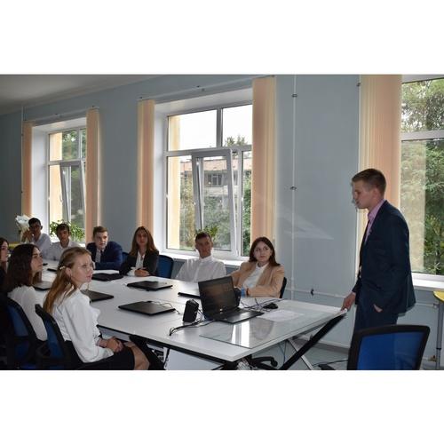 Инженер «Россети Центр Орелэнерго» прочел лекцию для одаренных детей