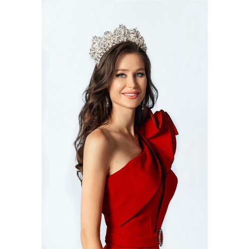 Полли Каннабис победила на конкурсе «Miss Top Model Universe»