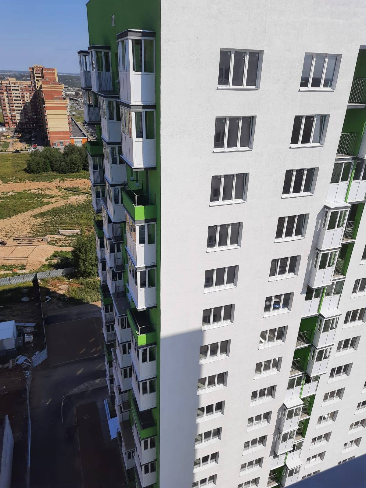 ЖК «Зелёный город» в Вологде остеклили окнами Deceuninck
