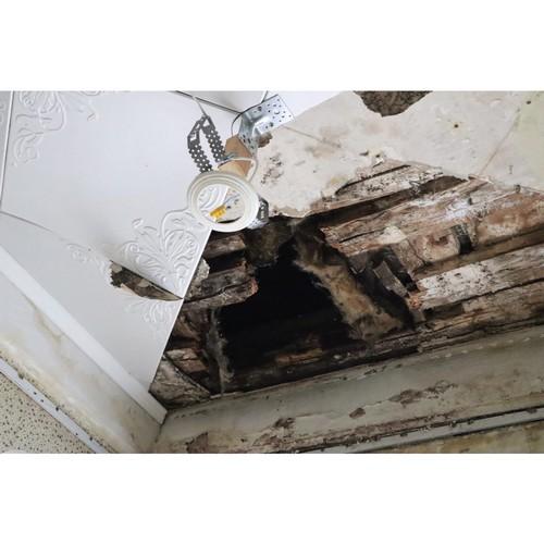 ОНФ помогает инвалиду добиться ремонта обвалившегося потолка в Кирове