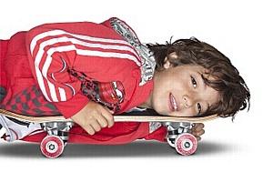 adidas выпускает новую линию детской одежды, посвященную выходу