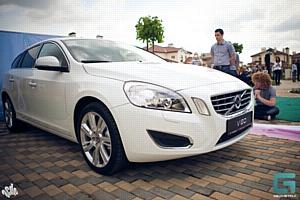 Презентация нового Volvo V60 прошла при поддержке компании «Кубань-Вино» и торговой марки «Шато Тамань»