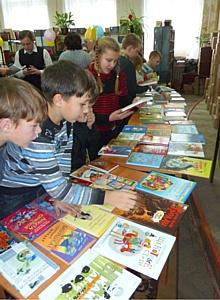 ОАО «Тверьэнергосбыт»  продолжает благотворительную акцию  «Открывая книги - открываешь мир».