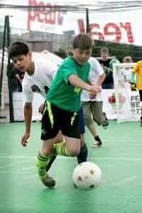 Сеть гипермаркетов real,- проводит Детский Кубок по футболу   в 12-ти городах России