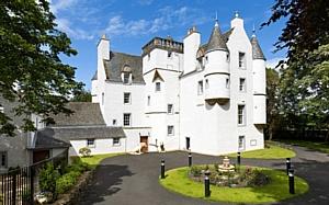 ee24.ru представляет обзор замков Шотландии по цене квартиры в Монако