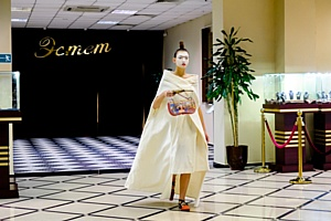 "Показ коллекции ""Альфонс Муха. Модерн"" от бренда Ante Kovac на презентации BMW 7"
