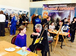 """Акция """"Рисуем космос"""": 20 космонавтов и 20 детей нарисовали космические пейзажи"""