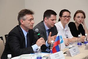Комитет АМР, АЧАЗ и Роструд обсудили проблематику работы с недобросовестными поставщиками