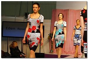 Сезон весна-лето 2012 возвращает в моду яркие цвета