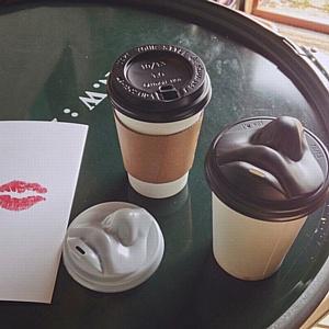 Лето, солнце, поцелуи в Coffee and the City