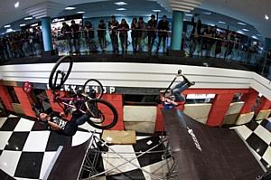 23 апреля торгово-развлекательный комплекс «СпортЕХ» с размахом отметил своё 3-летие