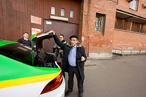 Борис Смолкин поработал таксистом