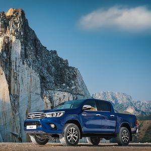 Презентация нового Toyota Hilux в Тойота Автомир Новосибирск! Бросьте вызов невозможному!