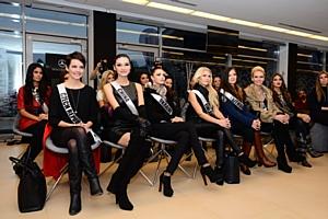 «Мисс Вселенная-2013» на Академии вождения AMG