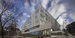 Архитекторы «просвещают» университеты при помощи окон
