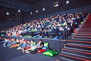 Деловой Мир Онлайн провёл закрытый показ фильма «Космополис» в Санкт-Петербурге