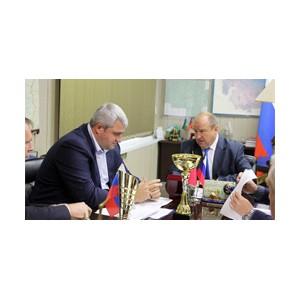Борис Берлин и Владимир Макута обсудили надежность электроснабжения Таштагольского района