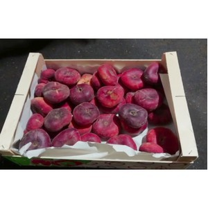В Россию пытались ввезти фрукты под видом кондитерских изделий и герметика