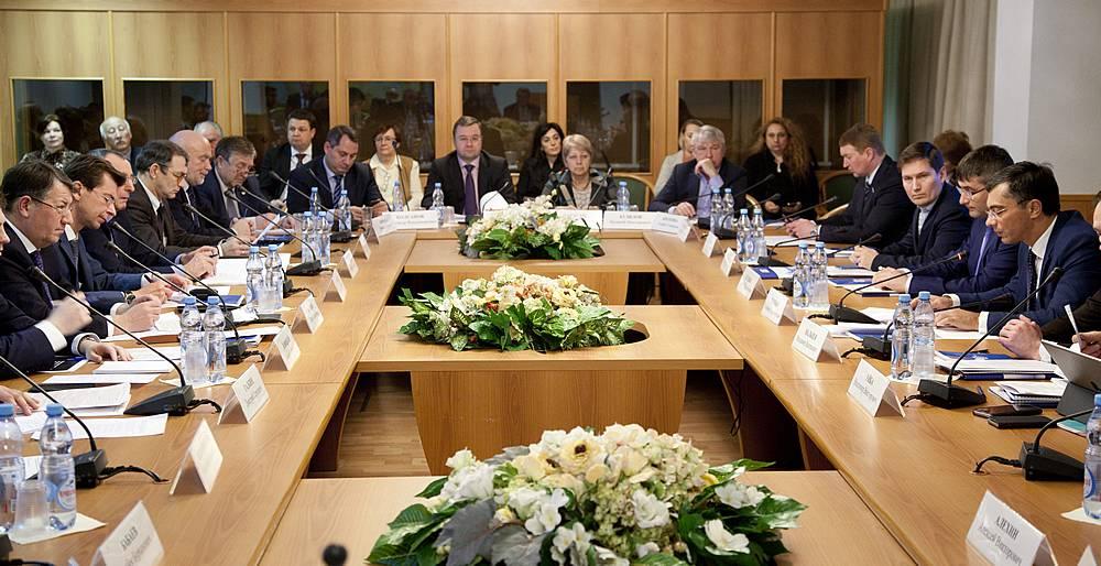 В Госдуме обсудили перспективы фармацевтики и медпромышленности