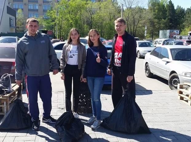 Активисты Народного фронта организовали плоггинг в Челябинском городском бору